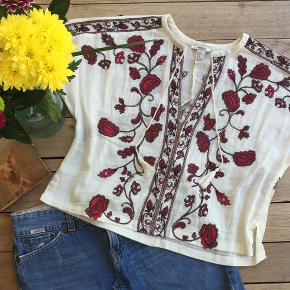 6ceb12ac441 Forever 21 Tops - Forever 21 Boho Embroidered Top (S)